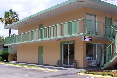 Traveler Inn & Suites