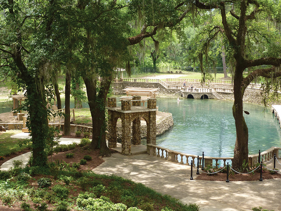 Radium Springs Gardens